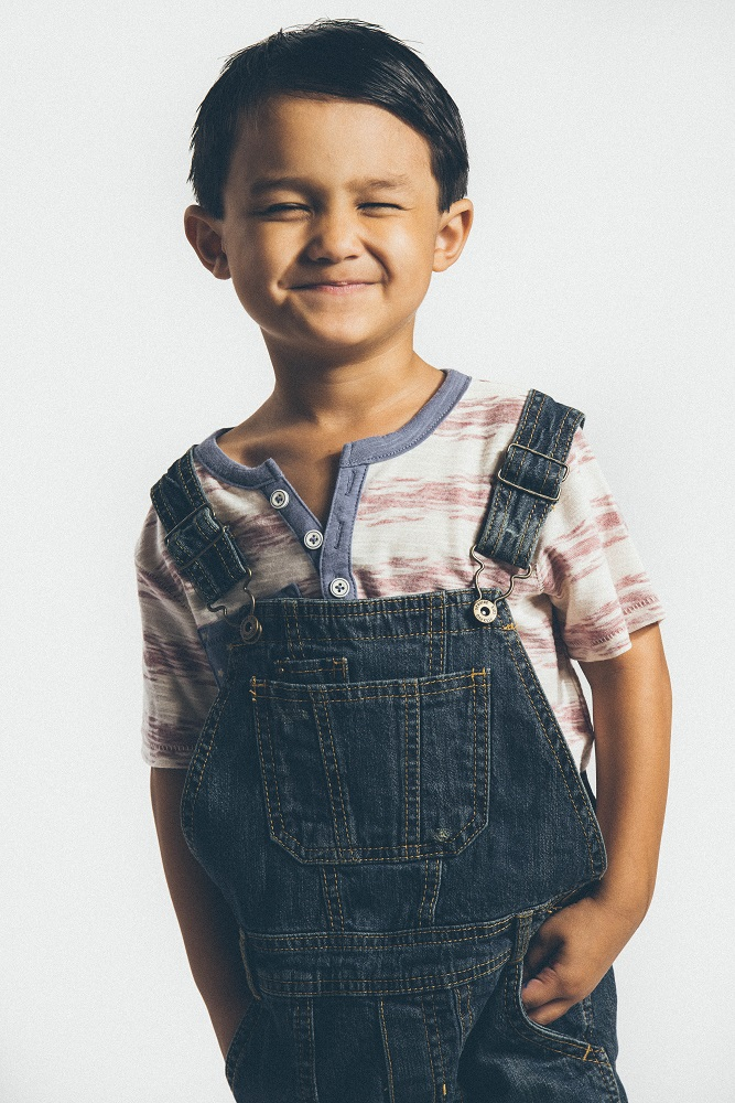 Preschooler Portraits: Dressing like a big boy